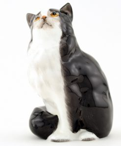 Persian Cat Seated, Style One HN999 - Royal Doulton Animals