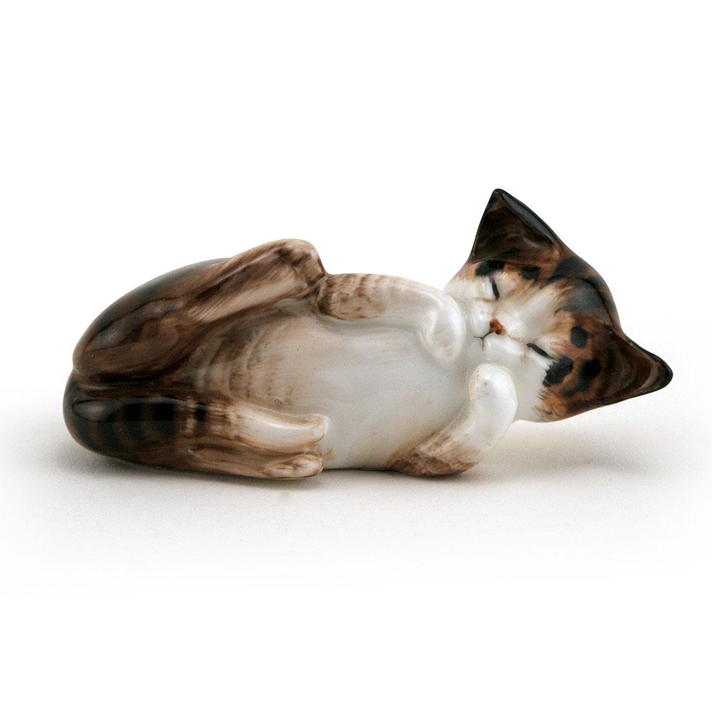 Character Kitten Lying on Back HN2579 - Royal Doulton Animals