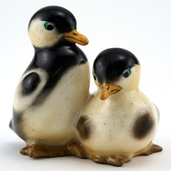 Ducklings Standing, Black HN205 - Royal Doulton Animals