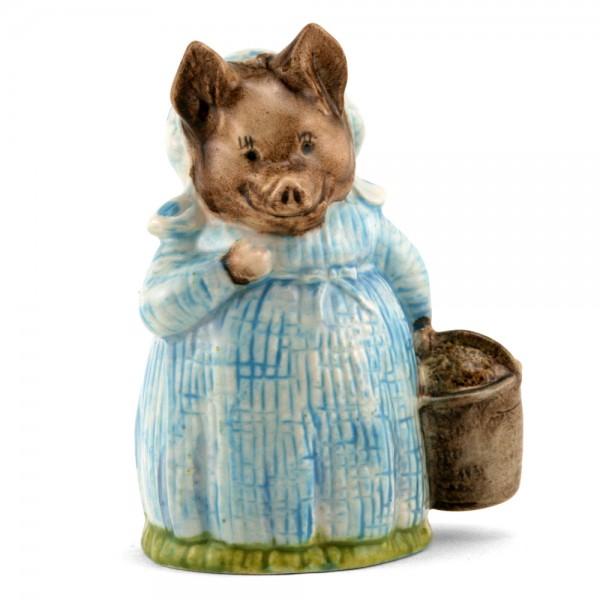 Aunt Pettitoes - Royal Albert - Beatrix Potter Figurine