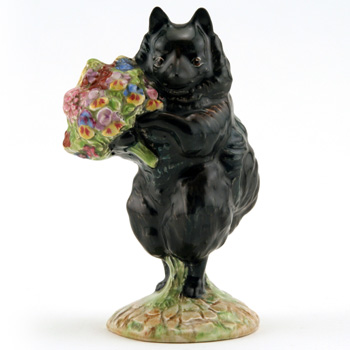 Duchess with Flowers - Gold Oval - Beatrix Potter Figurine