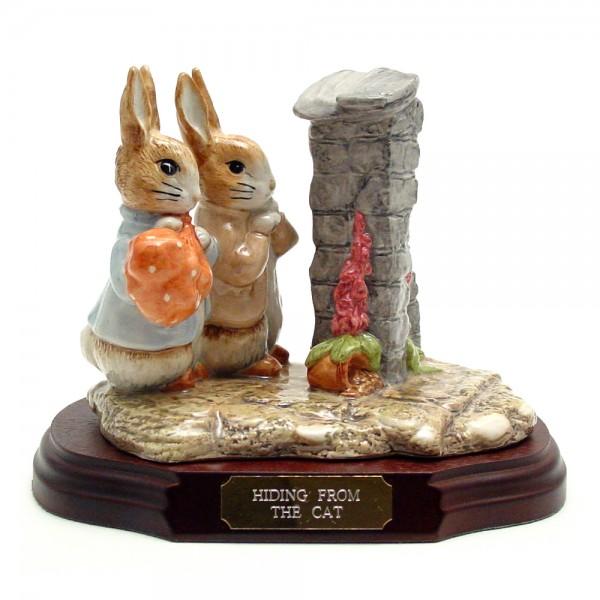 Hiding from the Cat (Tableau) - Beatrix Potter Figurine
