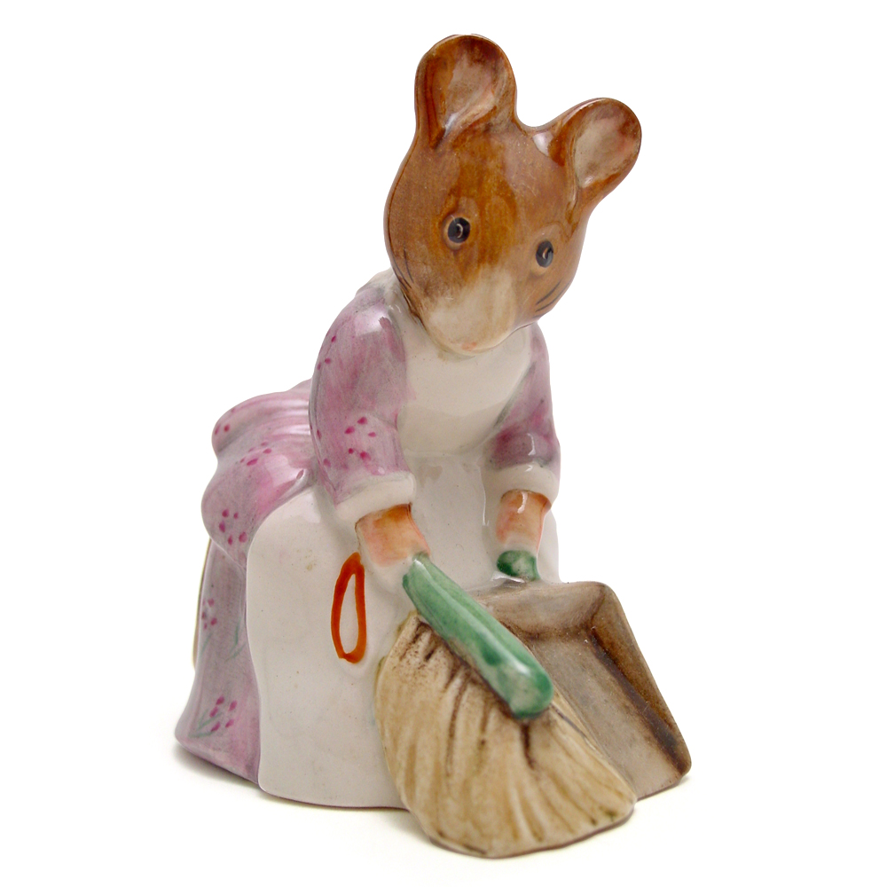 Hunca Munca Sweeping - New Beswick - Beatrix Potter Figurine