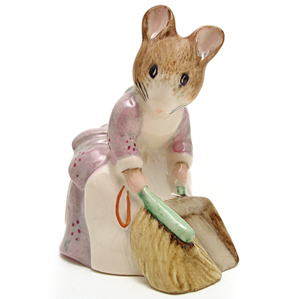 Hunca Munca Sweeping - Royal Albert - Beatrix Potter Figurine