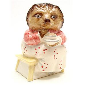 Mrs. Tiggy Winkle Takes Tea - Beswick - Beatrix Potter Figurine