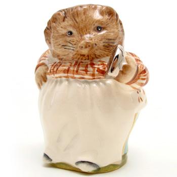 Mrs. Tiggy Winkle (Platinum Iron) - Beswick Gold Script - Beatrix Potter Figurine