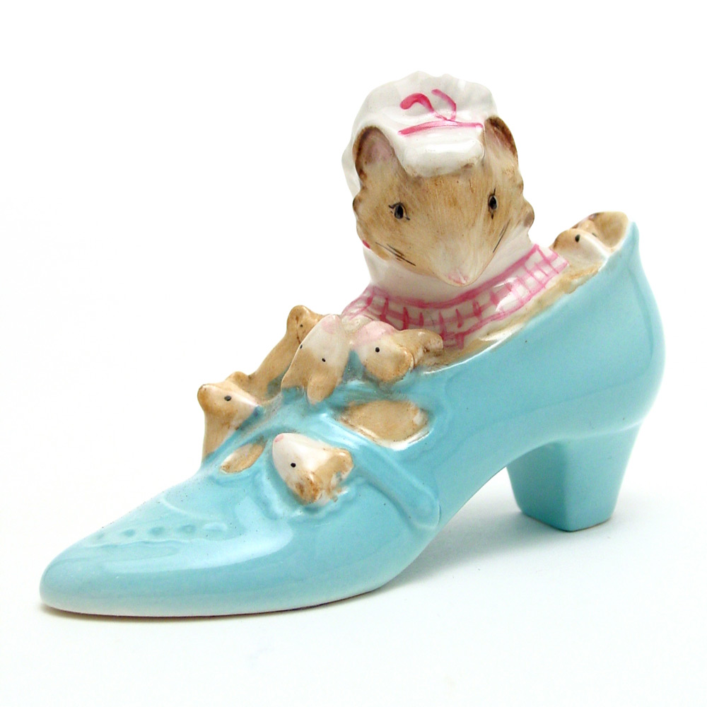 The Old Woman Who Lived In A Shoe - Gold Oval - Beatrix Potter Figurine
