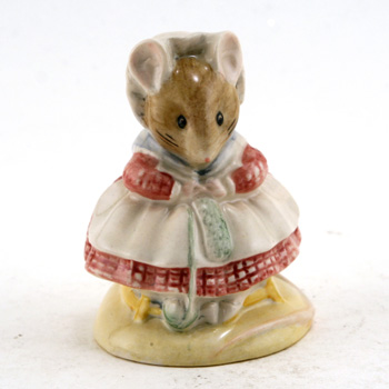 The Old Woman Who Lived In A Shoe (Knitting) - New Beswick - Beatrix Potter Figurine
