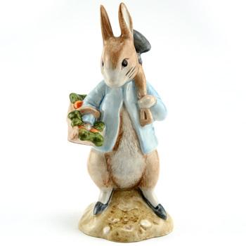 Peter Rabbit Gardening - New Beswick - Beatrix Potter Figurine