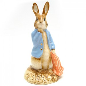 Peter and the Red Pocket Handkerchief (Gold Buttons) - Beatrix Potter Figurine