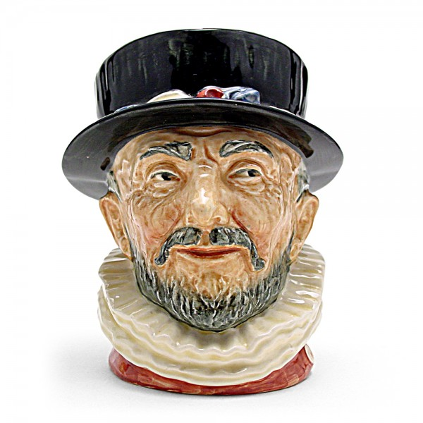 Beefeater GR D6206 - Large - Royal Doulton Character Jug