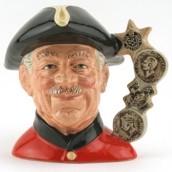 Chelsea Pensioner D6832 (Higbee Backstamp) - Large - Royal Doulton Character Jug
