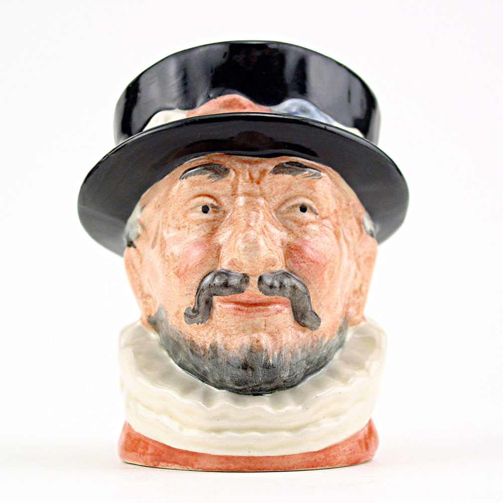 Beefeater ER D6251 - Mini - Royal Doulton Character Jug
