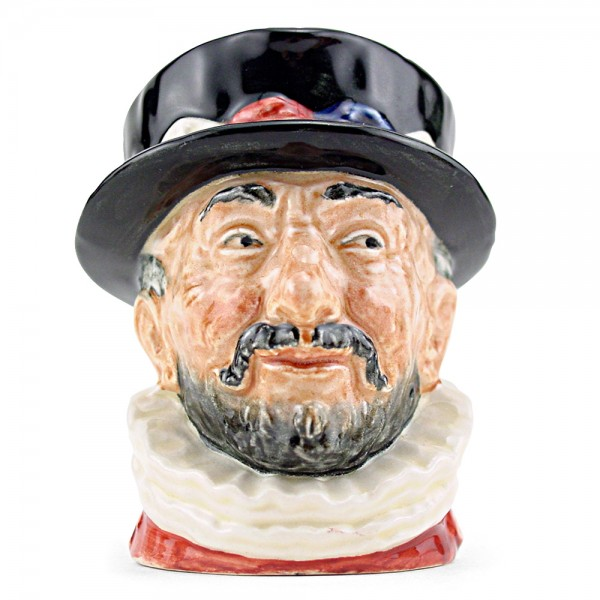 Beefeater GR D6233 - Small - Royal Doulton Character Jug