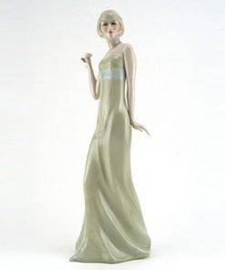 Aperitif HN2998 - Royal Doulton Figurine