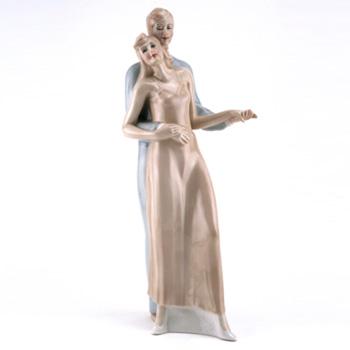 Bolero HN3076 - Royal Doulton Figurine