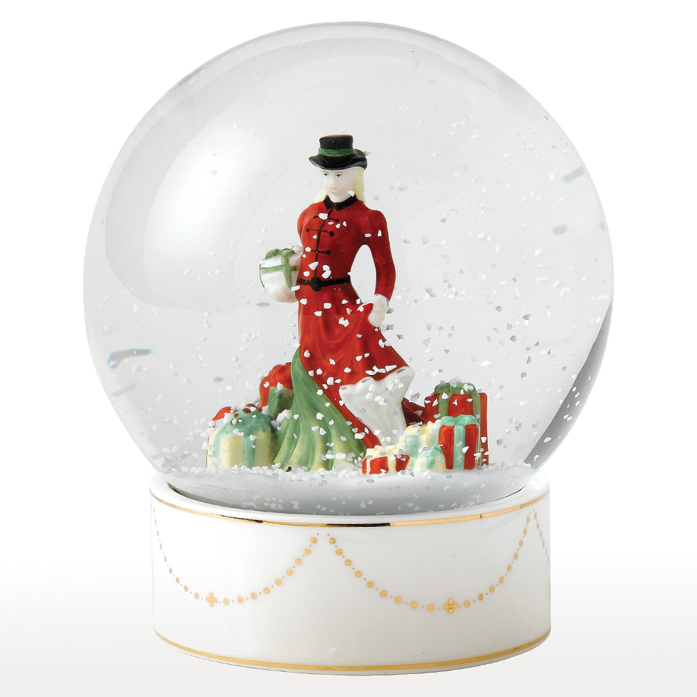 Christmas Gifts Snow Globe HN5524 - Royal Doulton Figurine