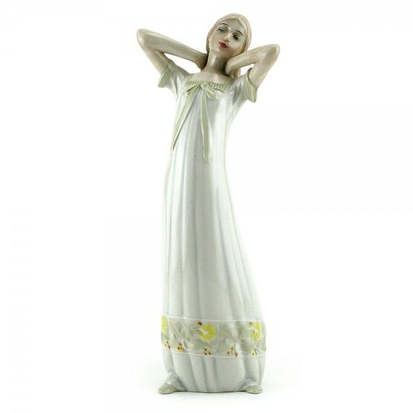 Daybreak HN3107 - Royal Doulton Figurine