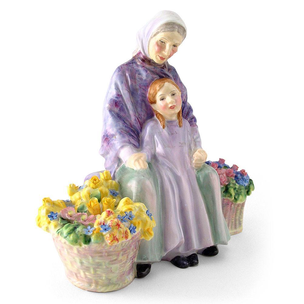 Granny's Heritage HN2031 - Royal Doulton Figurine
