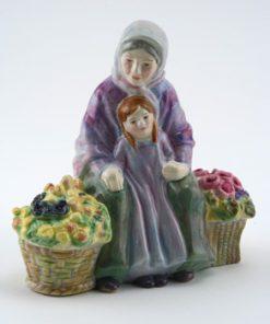 Granny's Heritage HN4811 - Royal Doulton Figurine