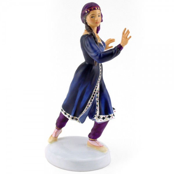 Kurdish Dancer HN2867 – Royal Doulton Figurine 1
