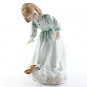 Lets Play HN3397 - Royal Doulton Figurine