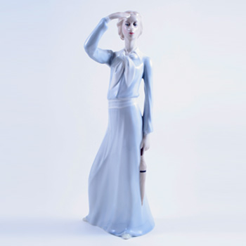 Panorama HN3028 - Royal Doulton Figurine