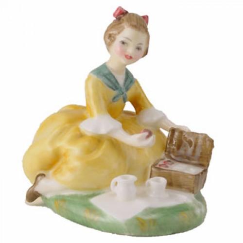 Picnic HN2308 - Royal Doulton Figurine