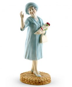 Queen Elizabeth HN4086 - Royal Doulton Figurine
