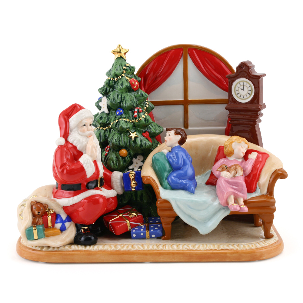 Santa 2009 HN5388 - Royal Doulton Figurine