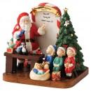 Santa 2011 HN5549 - Royal Doulton Figurine
