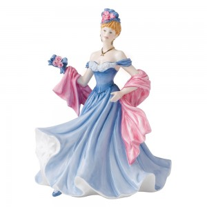 A Tender Moments HN5554 - Royal Doulton Figurine - Sentiments Collection