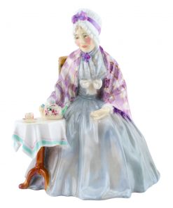 Granny HN1804 Grey, purple and brown - Royal Doulton Figurine