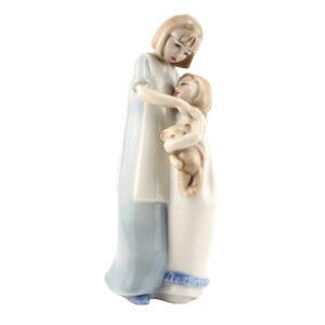 Sisterly Love HN3130 - Royal Doulton Figurine