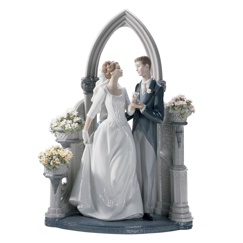A Vow of Love 01001869 - Lladro Figurine