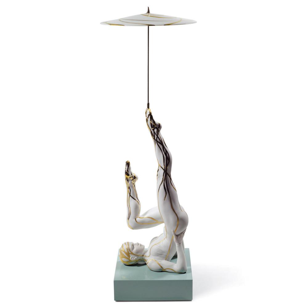 Balancer with Parasol 01008526 - Lladro Figurine