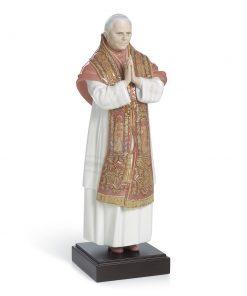 Benedictus XVI 01008266 - Lladro Figurine