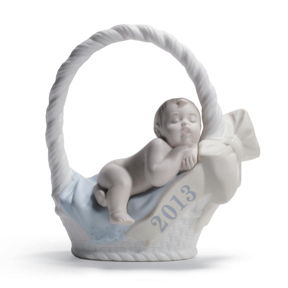 Born in 2013 -  Boy with fair skin 01018381 - Lladro Figurine