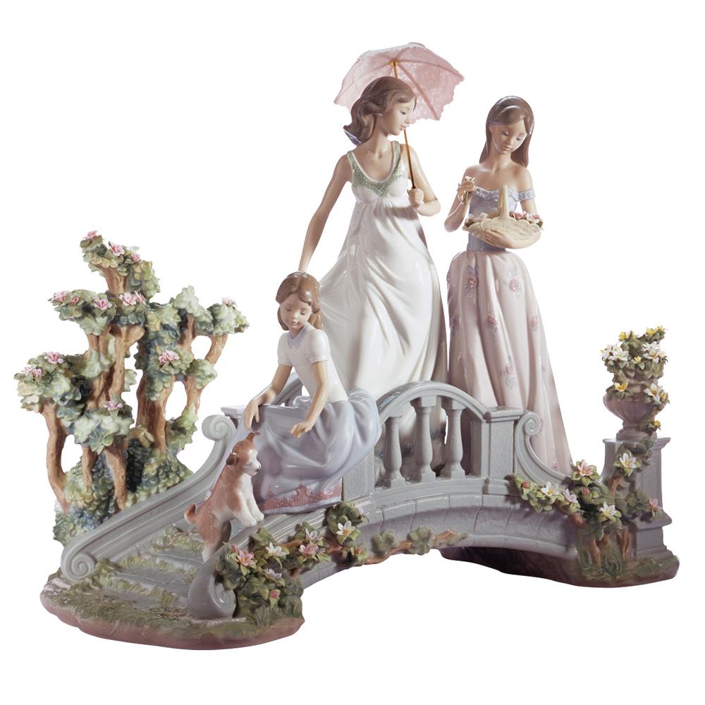 Bridge of Dreams 01001879 - Lladro Figurine