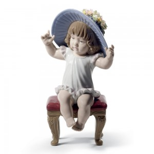 Dress Up Time! 01008716 -  Lladro