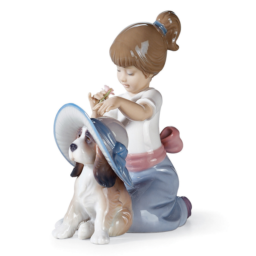 Elegant Touch 01006862 - Lladro Figurine