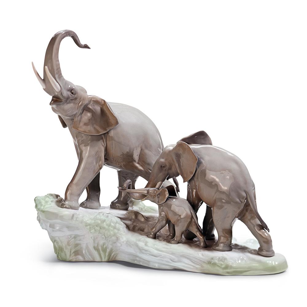 Elephants Walking 01001150 - Lladro Figurine