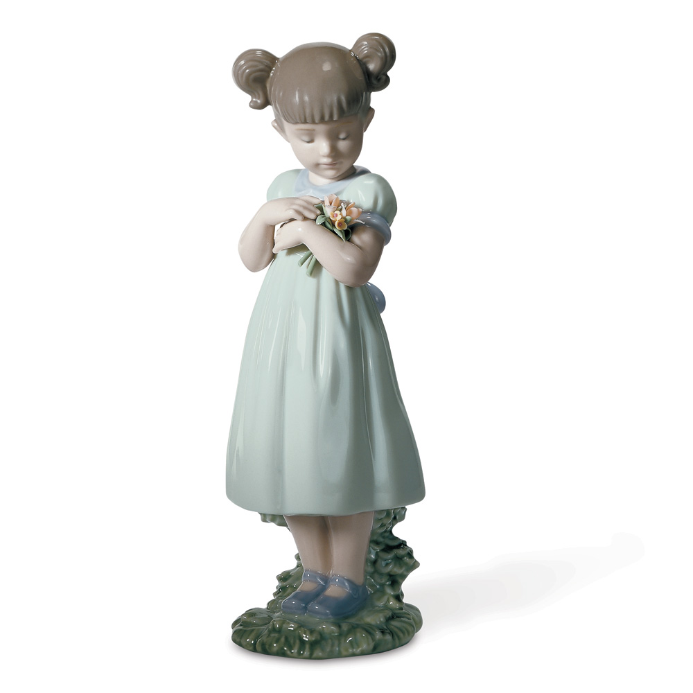 Flowers For Mommy 01008021 - Lladro Figurine