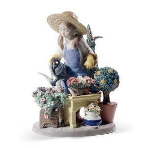 In My Garden 01008663 - Lladro Figurine