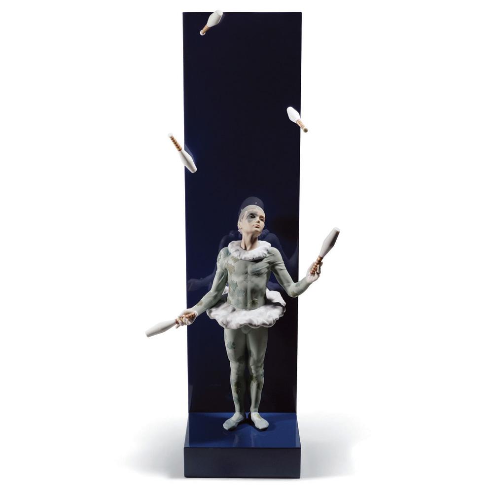 Juggler with Clubs 01008525 - Lladro Figurine