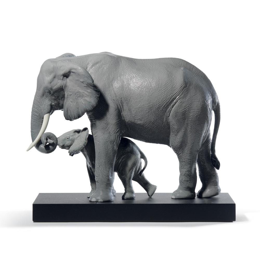 Leading The Way (Elephants - Grey) 01008694 -  Lladro