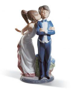 Let's Make Up 01005555 - Lladro Figurine