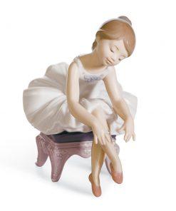Little Ballerina I 01008125 - Lladro Figurine