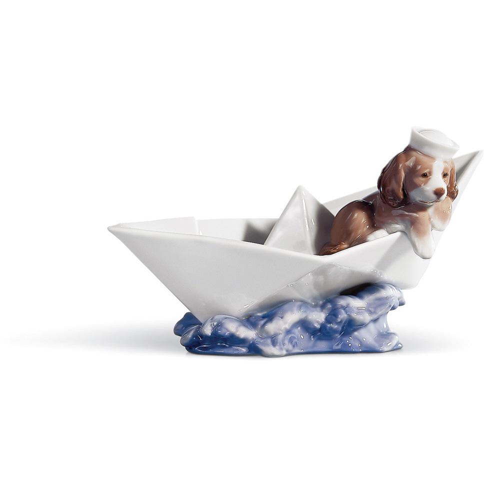 Little Stowaway 01006642 - Lladro Figurine
