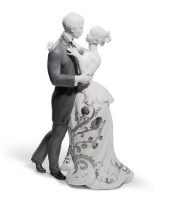 Lover's Waltz (Re-Deco) 01007193 - Lladro Figurine
